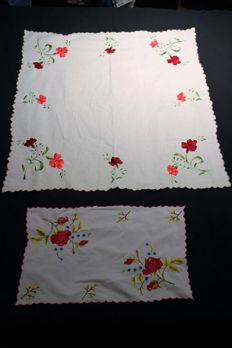 Tea towel and doilie, hand embroidered, 100% cotton - Portugal - 50/60s