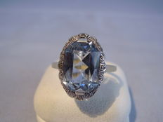 Art Deco gold ring with light blue spinel of 6 ct, circa 1920-25