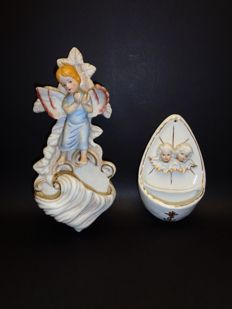 2 Porcelain holy water fonts, 2 angels and angel clapping hands.