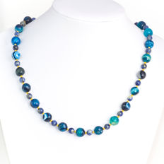 Blue tone necklace with Sodalite and Dragon scale agate  – Length 50 cm, 14kt/585 yellow gold clasp