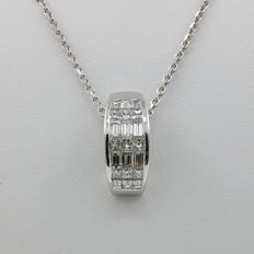 White-gold pendant, set with 21 natural diamonds - approx. 1.50 ct in total