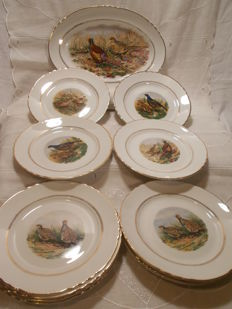 Moulin des Loups d'Orchie/St Amand, 13 dinner service pieces with Game decoration.