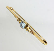 Blue topaz brooch with 585 gold