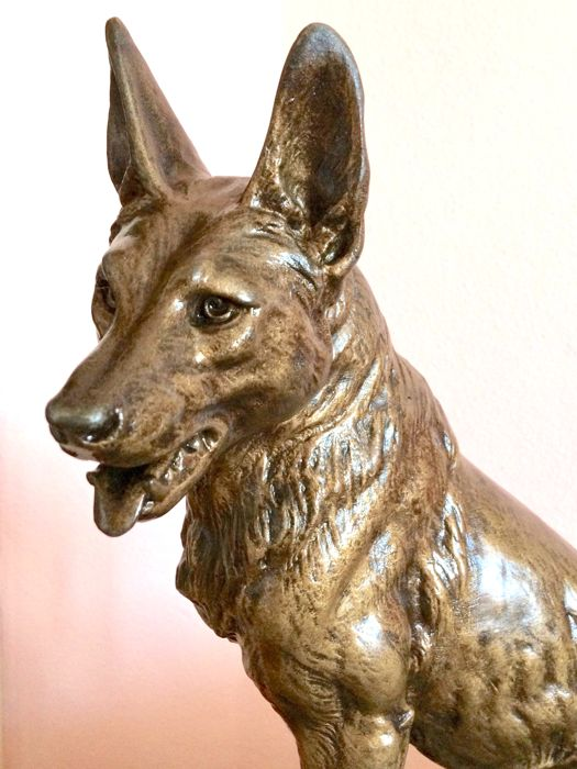 Louis Albert Carvin (1875-1951) - large-sized sculpture of a German shepherd dog - spelter and marble -France - early 20th century