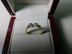 Engagement ring in 18 kt gold and diamond of 0.17 ct, size 17