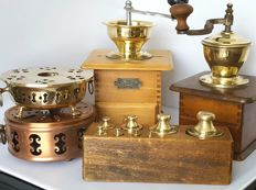 2 Antique coffee mills, 2 copper plate warmers and block with brass weights