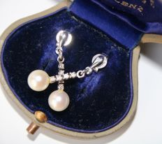 White gold Earrings with sea / salty round pearls with good lustre and 8/8 cut diamonds.