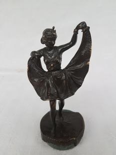 Sculpture; Dancing girl with 'surprise for voyeurs' - ca 1900
