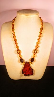 Baltic Amber necklace, length 53 cm, 44 grams