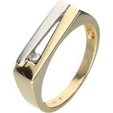 14 kt Yellow gold men's ring set with a round brilliant cut diamond of approx. 0.05 ct - Ring size: 19.5 cm