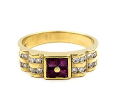 Cocktail ring in 18 kt yellow gold with brilliant cut diamonds of 0.50 ct and carré cut rubies of 0.50 ct - Size 16 (Spain)
