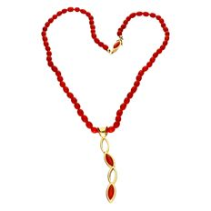 Necklace van Red coral barrels - crafted with a box clasp and handmade pendant of 14 kt