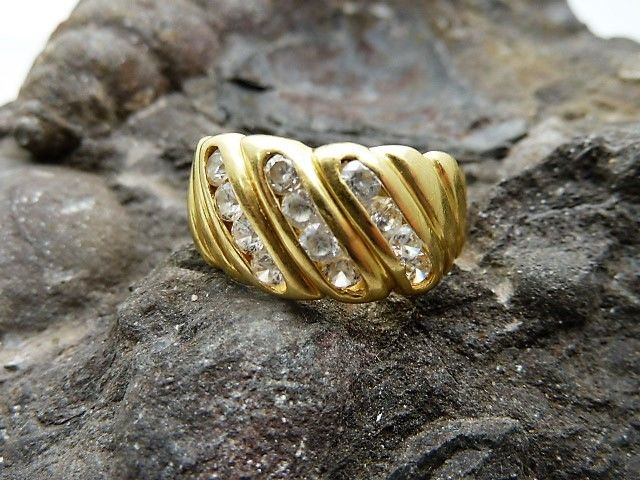 Ring in 18 kt gold Interior diameter approx.: 18.3 mm.