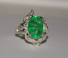 Silver ring with natural emerald of 7.72 ct (with certificate) - Ring size: 17.5 (mm)