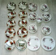 Royal albert + 1   Bone China Kop en Schotels, Melkkan, 2 gebaksbordjes mixed lot