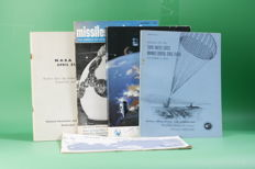 Lot with 5 old books RUIMTEVAART (SPACE FLIGHT), Nasa, European space research, Spaceflights (1962-1972) English