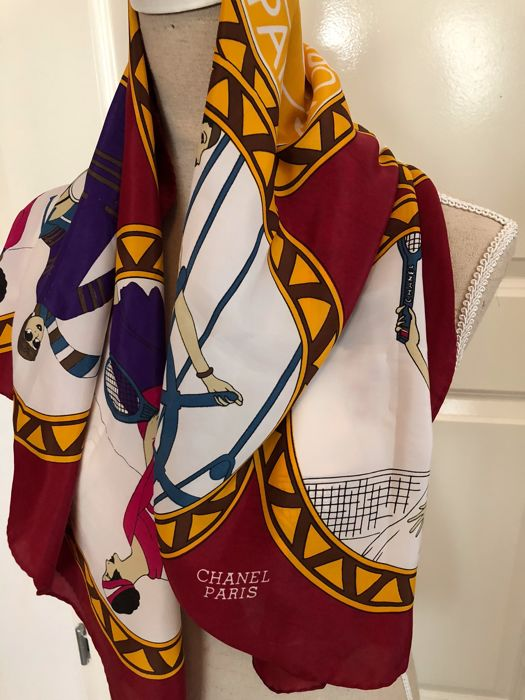 Chanel Paris – large designer authentic silk scarf – Foulard Carre - Sports