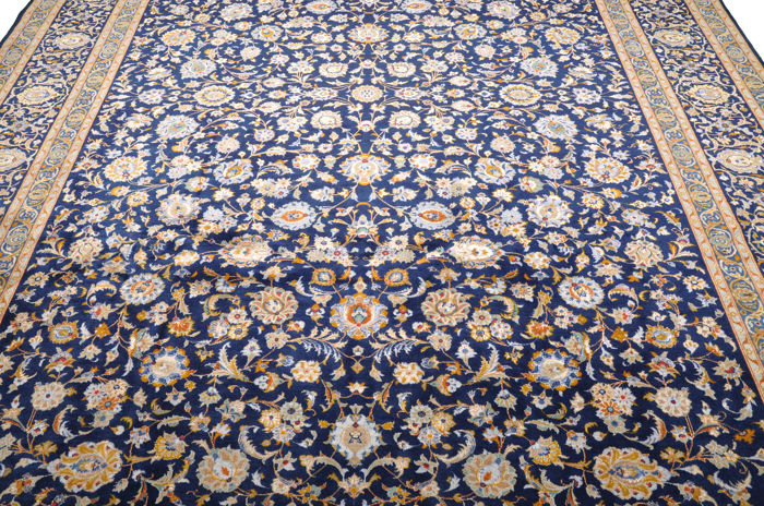 Kashan carpet with silk content, signed, approx. 396 × 291 cm - Iran