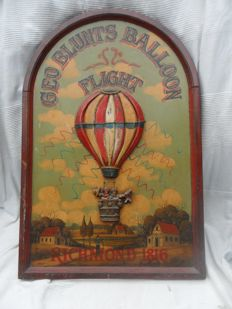 Three-dimensional nostalgic depiction of hot-air ballooning - XXL.