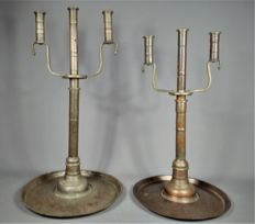 Silver plated bronze candle holders. Bedouin - Yemen - Mid 20th century (72cm)