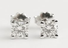 A Beautiful New Ladies Studs with Brilliant cut Diamonds total 1.22 ct - Certified