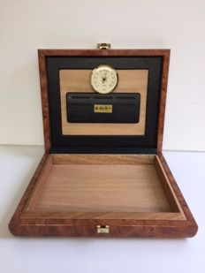 Luxury wooden humidor, portable, complete with hygrometer and humidifier.