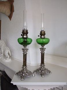 Beautiful pair of late Victorian oillamps - ca. 1890