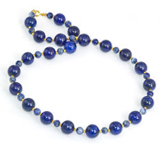 Blue tone necklace with Lapis lazuli and Sodalite  – Length 50 cm, 14kt/585 yellow gold clasp