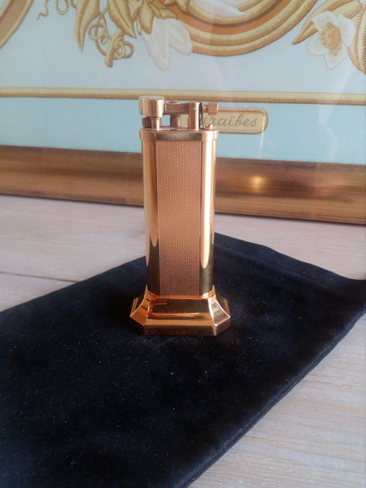 Dunhill gold plated table lighter
