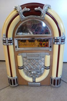 Vintage Retro radio cassette player jukebox AM/FM Radio - styled after Wurlitzer