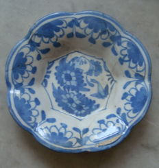 17th century Delft folded plate