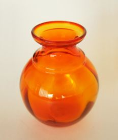 Jan van der Vaart - Orange vase 50 Years Liberation
