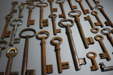 Collection of large antique keys, 32 pieces