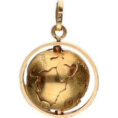18 kt Yellow gold pendant in the shape of a globe - length x width: 2.5 x 2 cm