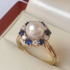 Yellow gold 14 kt - 585/000 women´s ring with cultured pearl and brilliant cut diamonds of 0.78 ct W/VS and blue sapphires of 1.42 ct Ring size 17¼ (54)