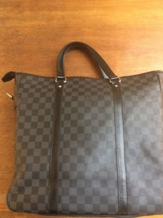 Louis Vuitton – Tadao PM Damier Graphite Canvas