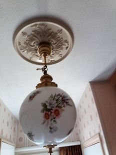 Hand-painted hanging opaline ball lamp