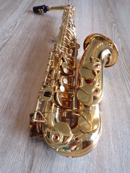 Conductor (by Selmer USA) alto saxophone, plays well, directly playable