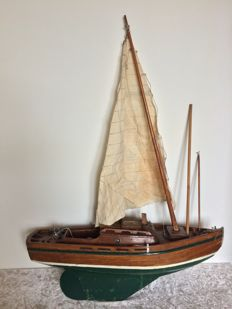 Handcrafted wooden model sailing boat. The Netherlands, first half of the 20th century