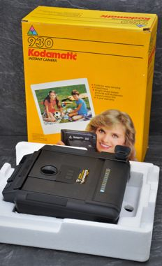 1982   KODAK  'Kodamatic 930'  Instant Camera.