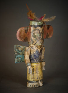 Nice Winged KACHINA Doll with movable arms Folk Art HOPI Indians. Amerindians : USA.