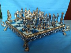 Piero Benzoni - Medieval chess set - Italy - 1980s