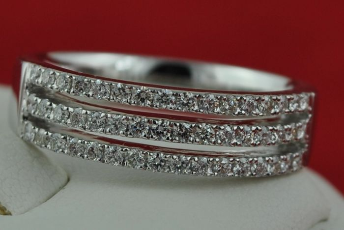 Exclusive Triple Band Diamond Ring, with 48 Diamonds in half-setting on 18k/750 White Gold - LOW RESERVE Price!