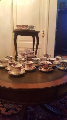 Royal Albert, verzameling kop en schotels bone china