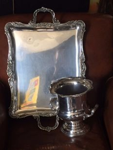 Large tray and seal a champagne silver metal