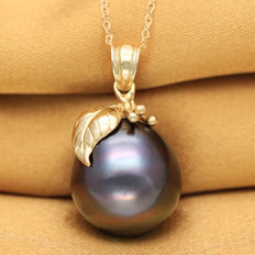 14K Gold Pendant with 13.8 x 14.9 mm Genuine Tahitian Black Pearl (no reserve price)