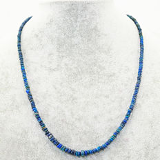 Blue Opal necklace with 18 kt (750/1000) gold clasp, length 50cm