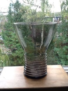 A.D. Copier - Large grey bowl-shaped vase