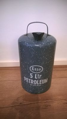 Enamelled Esso petroleum can - 5 litres - Dutch patent 69589 - 35 cm high - Ca 1950s/1960s