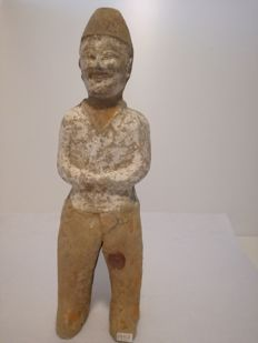 Funerary figurine depicting a valet - size cm 245 x 75 mm